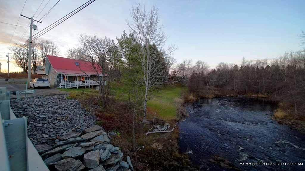 Log Home In Maine On River